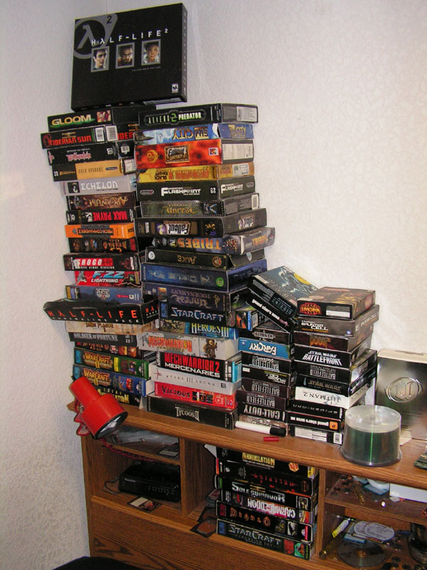 Pile o' games. Not mine, I hasten to add.
